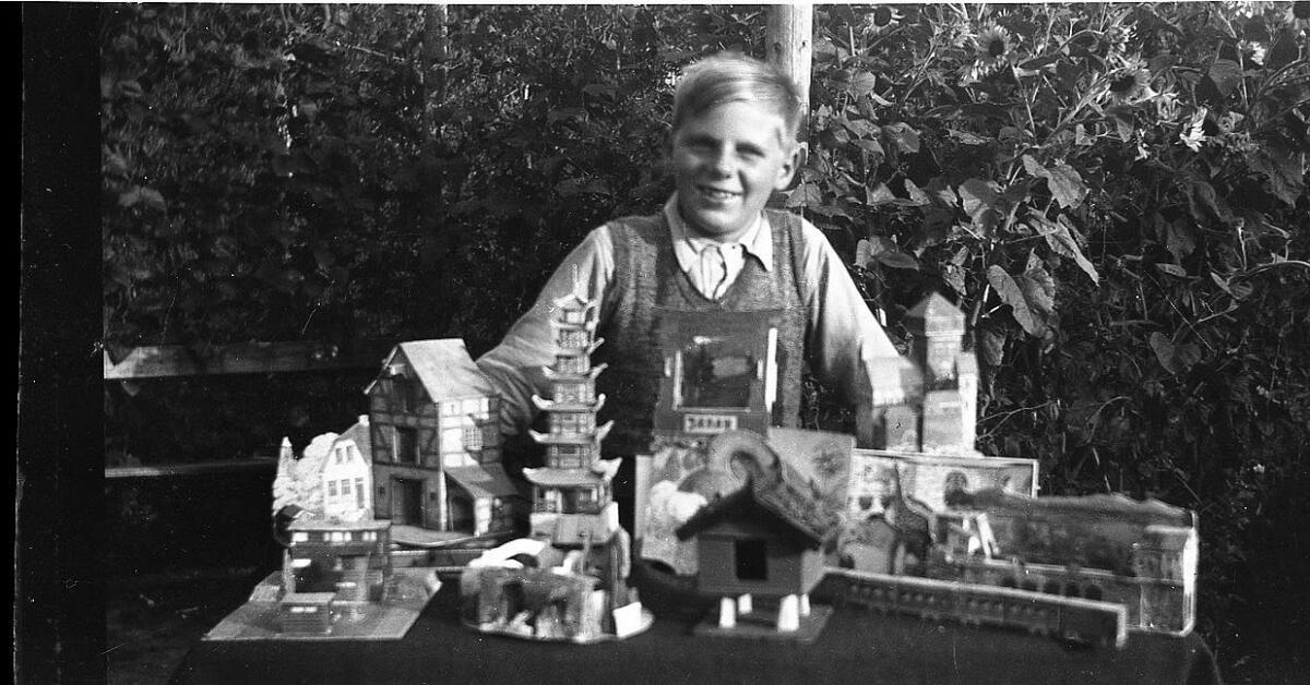 Knud kunne lave mange ting selv, her vist noget fra forskellige udklip byggesæt